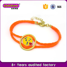 Custom 2016 popular emoji jewelry charm bracelet throw kiss face bracelet