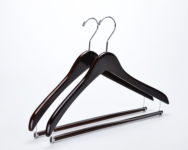 Inspring Wooden Hangers Beautiful Sturdy Suit Coat Hangers with Locking Bar Mahogany