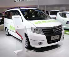 Dongfeng 8 Seater Luxurious Automatic MPV 3.5 electric car