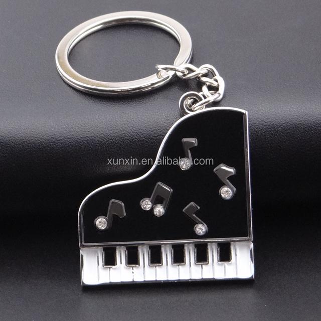 hot sale silver alloy piano keychain keyholder keyring