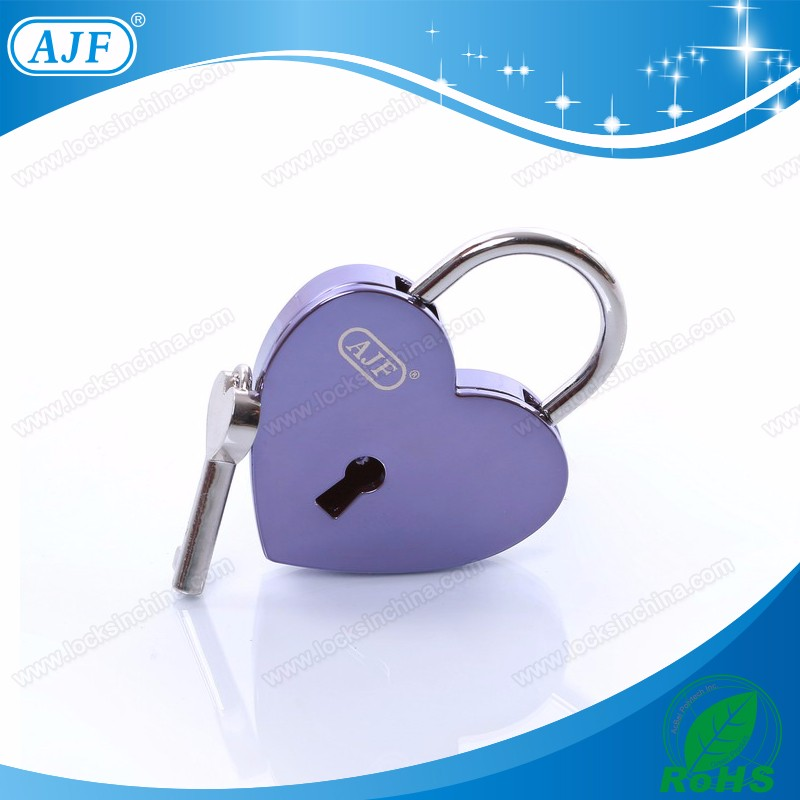 A01-025EPL shiny purple love lock.jpg