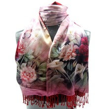The new high grade double-sided brushed warm winter scarf silk scarf two-sided