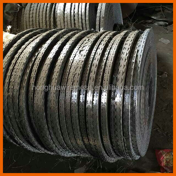 Factory BTO-22 razor barbed wire /hot dipped galvanized razor wire