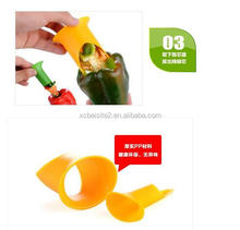 CY168 Pepper Corers Twist to Core & Seed Bell & Chili