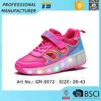 Alibaba 2016 New Design Rolling Led Sneakers Kids Roller Shoes
