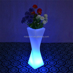 Waterproof Tall Plastic Flower Pots Outdoor LED Glow Planter