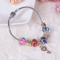 2015 Hot Selling Elegant bead bracelet with Love Keys bead for girls
