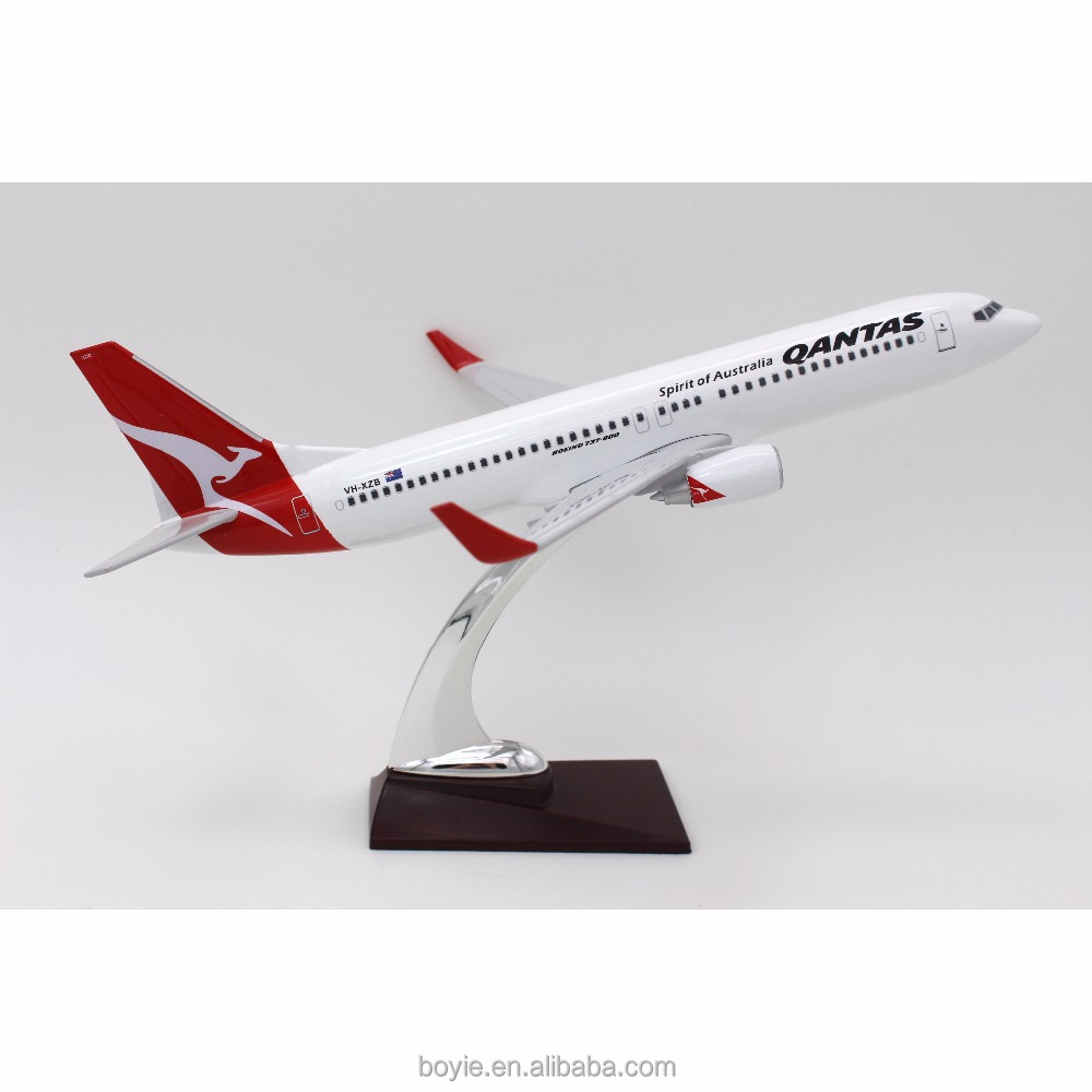 Collectible polyresin 1 200 diecast 32CM-737 original feature scale Qantas flying model aircraft for office decerated