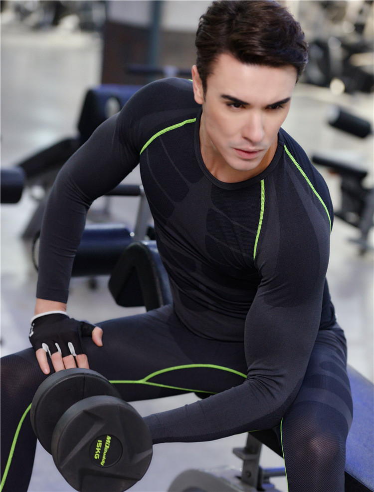 wholesale fashion Autumn style quick dry breathable men compression long sleeve shirt for slim fit soccer sports using
