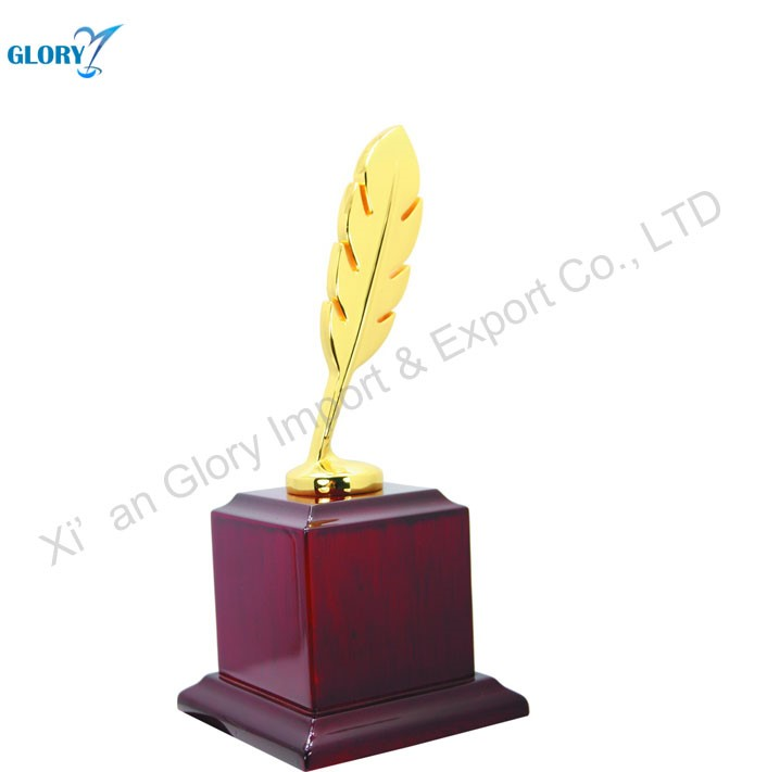 Custom Trophy Award Metal Statue With Wooden Base