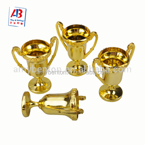 2018 Hot sell cheap small plastic trophies cup