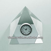 Wholesale customized size pyramid shape crystal clock for table decoration