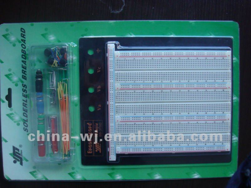 solderless breadboard and jumper wire