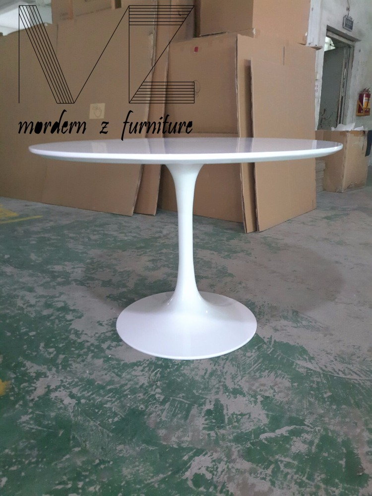 Reproduction fiberglass tulip table
