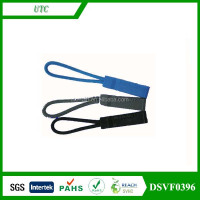 Plastic Injection Zipper Puller with Cord