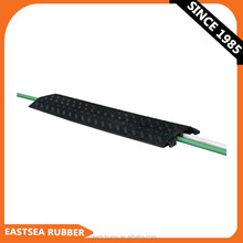 China Alibaba Express Black 2 Channels PU Plastic Cable Ramp