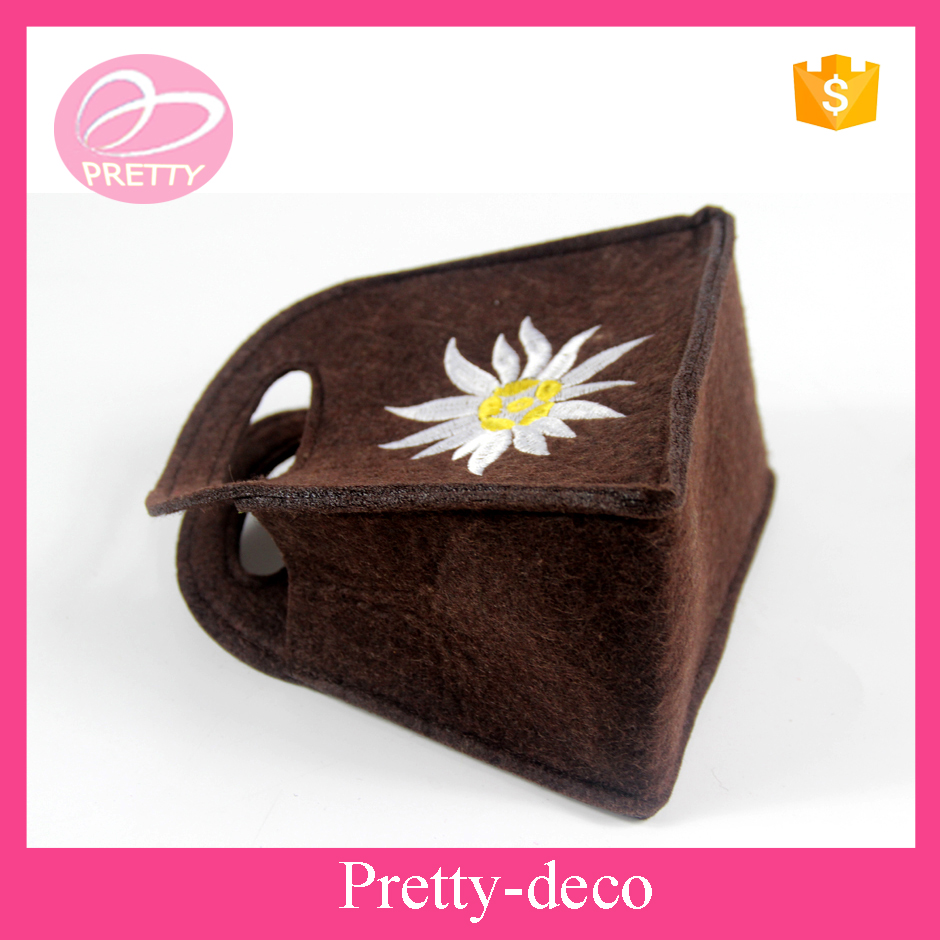 Contemporary folding mini tote felt bag with flower