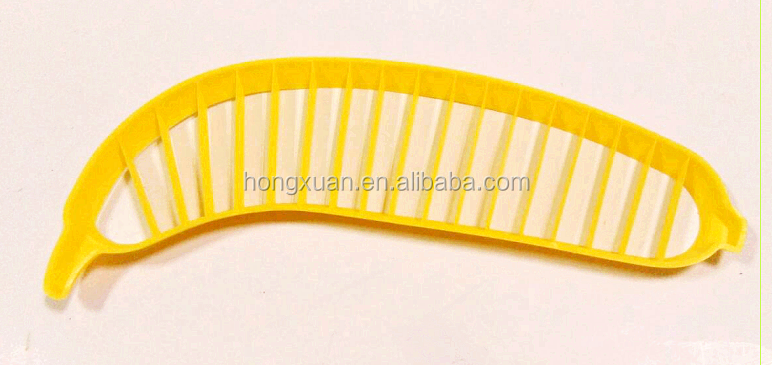 China Online selling plastic banana shape banana slicer cutter for salad kitchen utensils fruit tool
