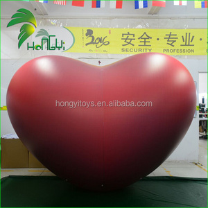 Attractive Red Inflatable Heart-Shaped Balloons For Party Display