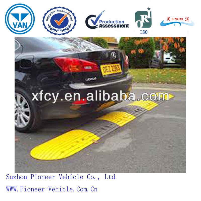 Yellow And Black Color Combination Rubber Speed Humps