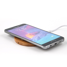 heart shape fast charging Wooden Portable wireless Charger for cell phone