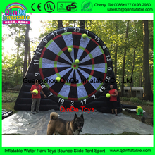 Guangzhou factory hot sale inflatable giant foot dart games, inflatable soceer dart board with cheap price