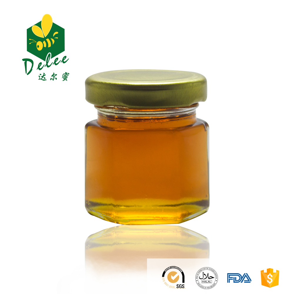 Non additives berry honey with comb