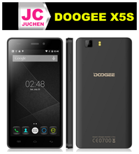 Irreplaceable GPS Navigation and finger print lock IPS touch screen Doogee x5s phone