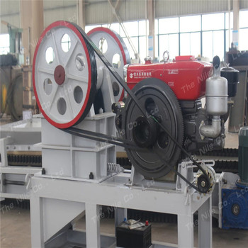 Hot sale Small mobile diesel engine jaw crusher machine from China