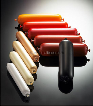 Multilayer plastic casing for packing sausages