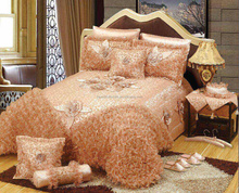 Hot selling luxury style handmade embossed bed sheets 5pcs bedding sets with down for wedding