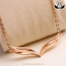 Temperament matte 18K rose gold fox eye pendant