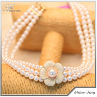 hot sale Faux Pearl Three Strand choker chunky Necklace with flower pendant