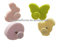 popular festival and party supply plastic bulk easter cookie cutter