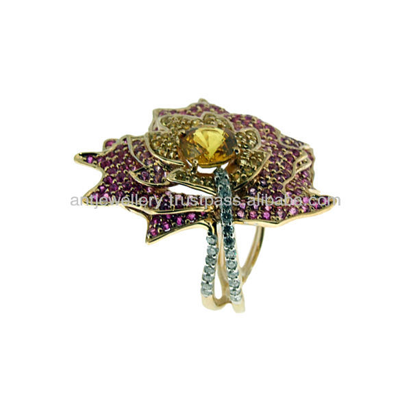 NDNH-285 Maple Leaf Ring: 14K gold and ruby and sapphire