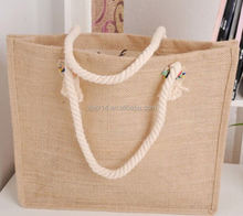 cheap custom recyclable jute wine bottle bag with wooden d shape cane handle