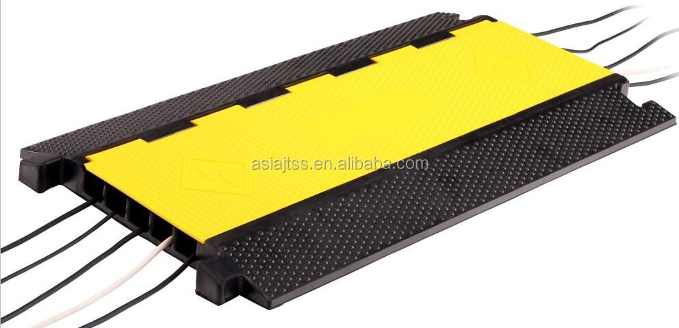 heavy duty 5 channel rubber cable cover cable crossing buy rubber cable cover cable cover. Black Bedroom Furniture Sets. Home Design Ideas