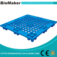 Plastic warehouse pallet for stacking