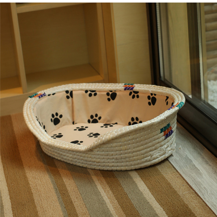 Cute wicker baskets for pets, baskets with the toy