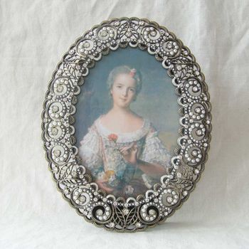 Antique Brass White Pearls Jeweled 3.5x5 Inch Oval Metal Photo Frame