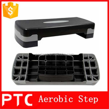 Fitness plastic aerobic step platform in exercise training