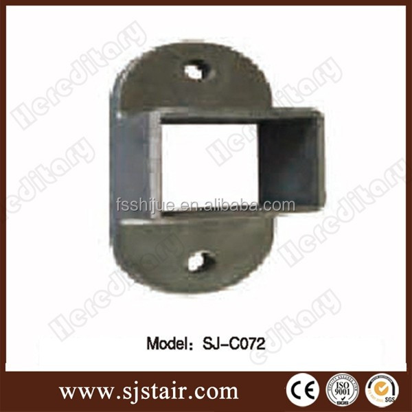 Cast aluminum and steel fence square post bracket