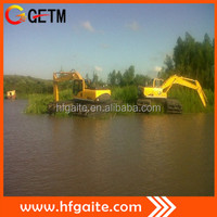 Amphibious excavator for digging oil trench