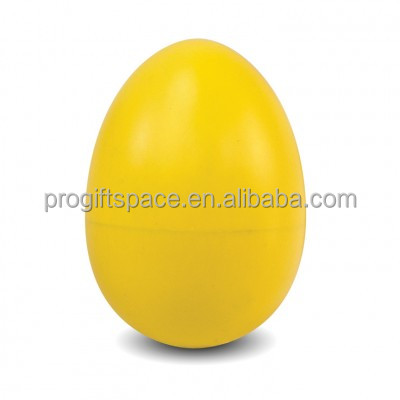 2017 unique hot sale item toy gift Easter day craft wholesale vintage ornament yellow color hand painted wood eggs made in China
