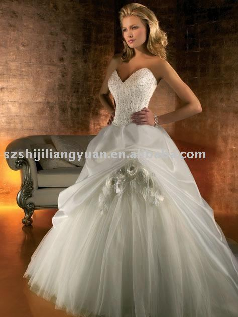SJ0319 white generous wedding dress