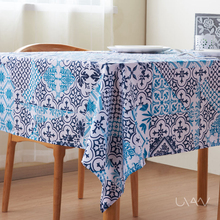 High Quality Waterproof Polyester Printed TableCloth Design