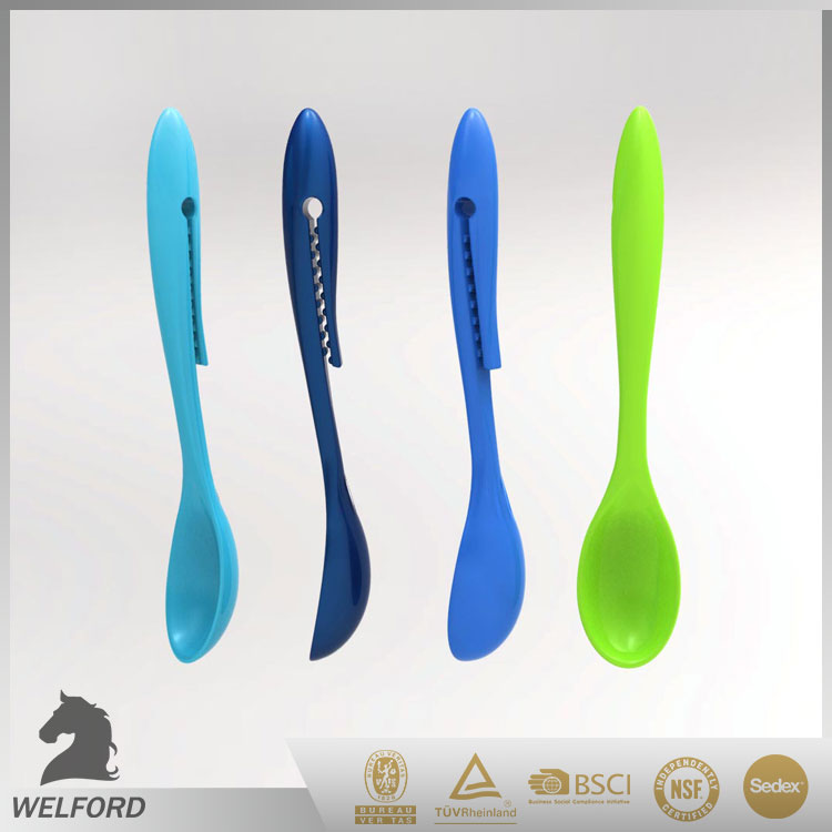 Plastic food bag clip with spoon