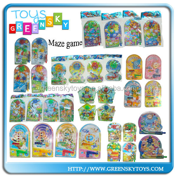 Hot selling cheap magazine gift toy maze game