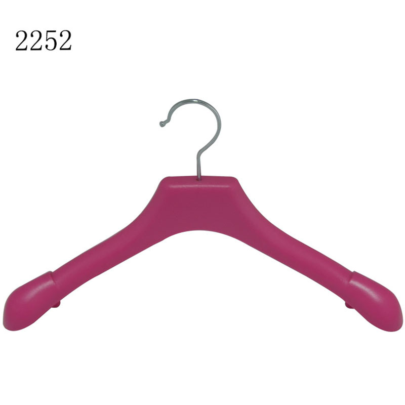 Unlimited Plastic Showroom Clothes Hangers