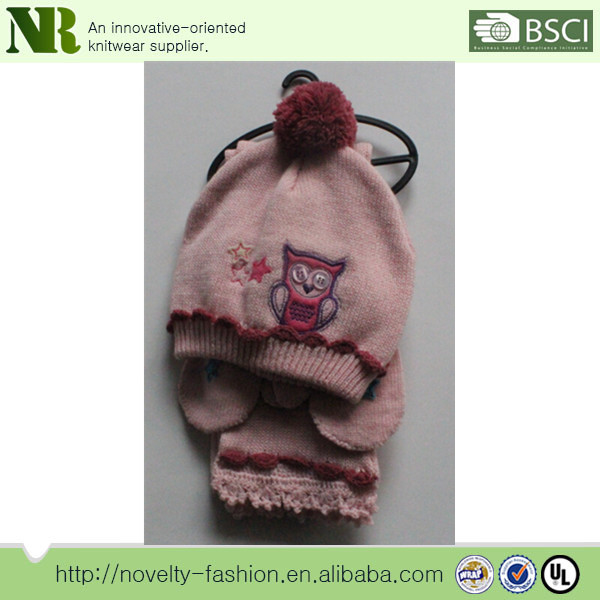 Lovely animal style pattern knitted acrylic baby scarf and hat set